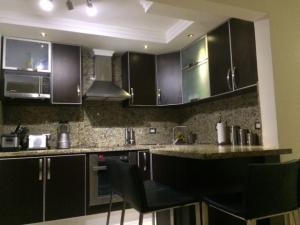 Apartamento En Venta En Maracaibo, Avenida Milagro Norte, Venezuela, VE RAH: 17-5446