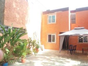 Casa En Venta En Valencia, Trigal Sur, Venezuela, VE RAH: 17-5484