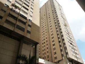 Apartamento En Venta En Caracas, El Paraiso, Venezuela, VE RAH: 17-5487
