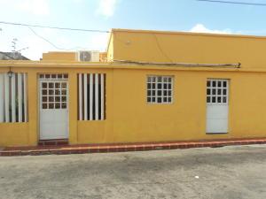 Casa En Venta En Punto Fijo, Centro, Venezuela, VE RAH: 17-5499