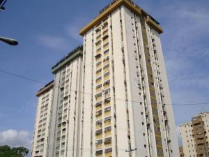 Apartamento En Venta En Maracay, Parque Aragua, Venezuela, VE RAH: 17-5511