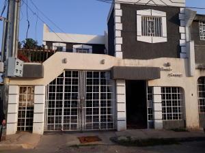 Casa En Venta En Ciudad Ojeda, Los Samanes, Venezuela, VE RAH: 17-5515
