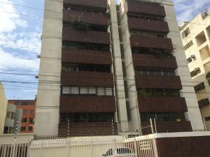 Apartamento En Venta En Maracaibo, San Martin, Venezuela, VE RAH: 17-5483