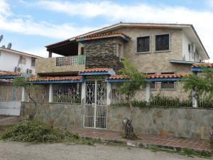 Casa En Venta En Puerto Cabello, Cumboto, Venezuela, VE RAH: 17-5551
