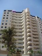 Apartamento En Venta En Parroquia Caraballeda, La Llanada, Venezuela, VE RAH: 17-5558