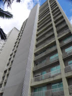 Apartamento En Venta En Caracas, Santa Eduvigis, Venezuela, VE RAH: 17-5574