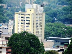 Apartamento En Venta En Valencia, Avenida Bolivar Norte, Venezuela, VE RAH: 17-5568