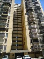Apartamento En Venta En Los Teques, El Encanto, Venezuela, VE RAH: 17-5596