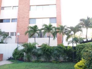 Apartamento En Venta En Maracaibo, Creole, Venezuela, VE RAH: 17-5666