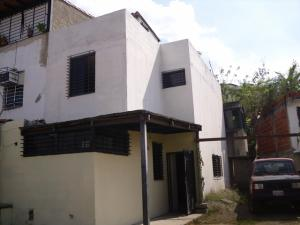 Casa En Venta En Guarenas, Altos De Copacabana, Venezuela, VE RAH: 17-1025