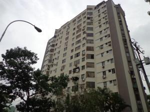 Apartamento En Venta En Valencia, El Bosque, Venezuela, VE RAH: 17-5595