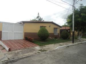 Casa En Venta En Cabudare, Parroquia José Gregorio, Venezuela, VE RAH: 17-5616
