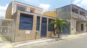 Casa En Venta En Charallave, Vista Real, Venezuela, VE RAH: 17-5704