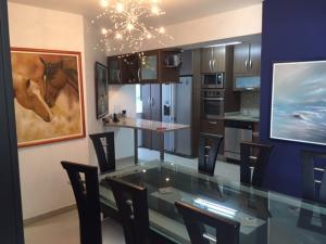 Apartamento En Venta En Caracas, Manzanares, Venezuela, VE RAH: 17-5654