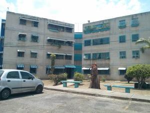 Apartamento En Venta En La Victoria, Las Mercedes, Venezuela, VE RAH: 17-5663