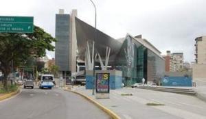 Local Comercial En Alquiler En Caracas, Los Dos Caminos, Venezuela, VE RAH: 17-5669
