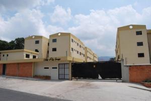 Apartamento En Venta En Municipio Naguanagua, Barbula, Venezuela, VE RAH: 17-5838