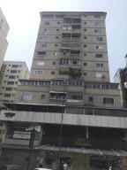 Apartamento En Venta En Caracas, El Marques, Venezuela, VE RAH: 17-5786