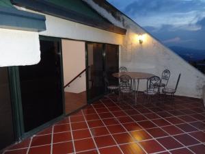 Apartamento En Venta En Caracas - Los Naranjos del Cafetal Código FLEX: 17-5808 No.5