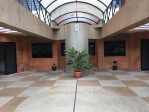Apartamento En Venta En Valencia, Valle Blanco, Venezuela, VE RAH: 17-5823