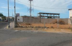 Terreno En Venta En Maracaibo, Avenida Bella Vista, Venezuela, VE RAH: 17-5827