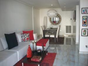 Townhouse En Venta En Maracaibo, El Milagro Norte, Venezuela, VE RAH: 17-5831