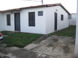 Casa En Venta En Turmero, Parque Residencial Araguaney Ii, Venezuela, VE RAH: 17-5846