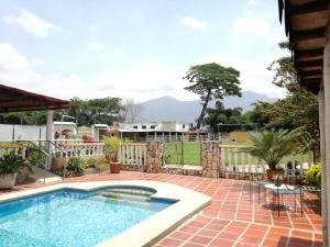 Terreno En Ventaen Municipio San Diego, Mini Granjas San Diego, Venezuela, VE RAH: 17-5834