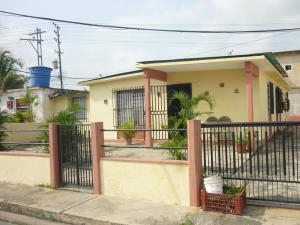 Casa En Venta En Puerto Cabello, Juan Jose Flores, Venezuela, VE RAH: 17-5859