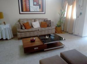 Townhouse En Venta En Maracaibo, Cumbres De Maracaibo, Venezuela, VE RAH: 17-5848