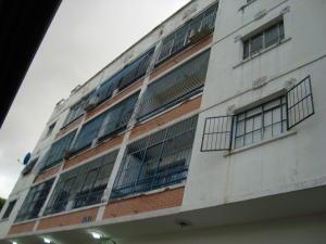 Apartamento En Venta En Caracas, Los Chaguaramos, Venezuela, VE RAH: 17-5879