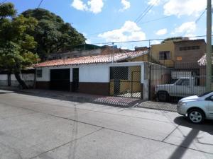 Casa En Venta En Caracas, Cementerio, Venezuela, VE RAH: 17-5869