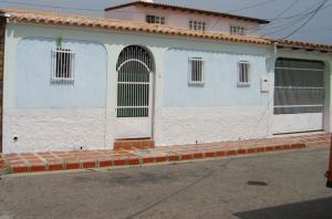 Casa En Venta En Turmero, Valle Lindo De Turmero, Venezuela, VE RAH: 17-5873