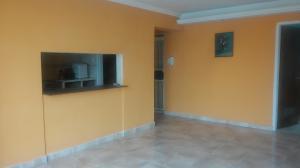 Apartamento En Alquiler En Maracaibo, Lago Mar Beach, Venezuela, VE RAH: 17-5882