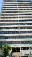 Apartamento En Venta En Valencia, Camoruco, Venezuela, VE RAH: 17-5894