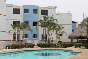 Apartamento En Venta En Higuerote, Via Curiepe, Venezuela, VE RAH: 17-5908