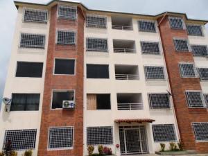 Apartamento En Venta En Charallave, Centro De Charallave, Venezuela, VE RAH: 17-5917