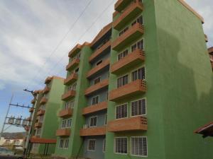Apartamento En Venta En Municipio San Diego, Monteserino, Venezuela, VE RAH: 17-5918