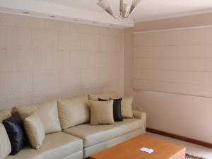 Casa En Venta En Maracay - La Morita Código FLEX: 17-5927 No.2