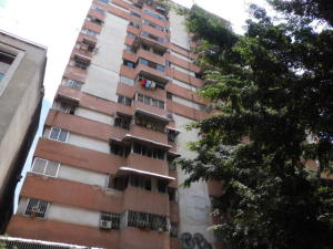 Apartamento En Venta En Caracas, Parroquia La Candelaria, Venezuela, VE RAH: 17-5932