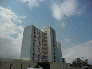 Apartamento En Venta En Municipio Los Guayos, Paraparal, Venezuela, VE RAH: 17-5954