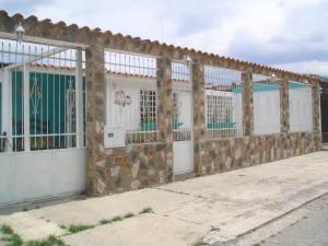 Casa En Venta En Turmero, Valle Fresco, Venezuela, VE RAH: 17-5960