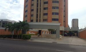 Apartamento En Alquiler En Maracaibo, Tierra Negra, Venezuela, VE RAH: 17-6002