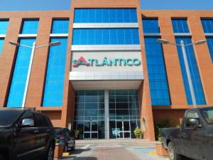 Local Comercial En Alquiler En Lecheria, Calle Arismendi, Venezuela, VE RAH: 17-5971