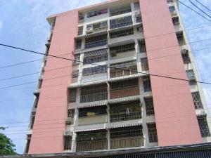 Apartamento En Venta En Turmero, Zona Centro, Venezuela, VE RAH: 17-5998