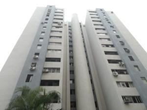 Apartamento En Venta En Valencia, Las Chimeneas, Venezuela, VE RAH: 17-6004