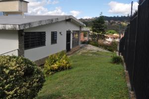 Casa En Venta En Caracas, Lomas De La Trinidad, Venezuela, VE RAH: 17-6041