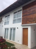 Casa En Ventaen Caracas, Alto Prado, Venezuela, VE RAH: 17-6078