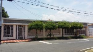 Casa En Venta En Ciudad Ojeda, Calle Piar, Venezuela, VE RAH: 17-6089
