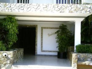 Apartamento En Venta En Maracaibo, Lago Mar Beach, Venezuela, VE RAH: 17-381